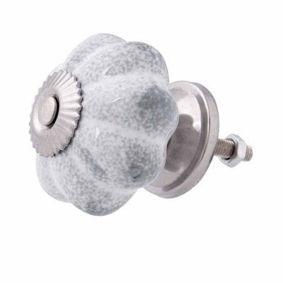 Door knob flower greywashed