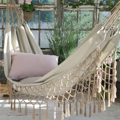 Hammock with fringes