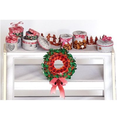 Minihali Christmas wreath and cans